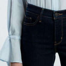 Load image into Gallery viewer, Levi's 312 Shaping Slim