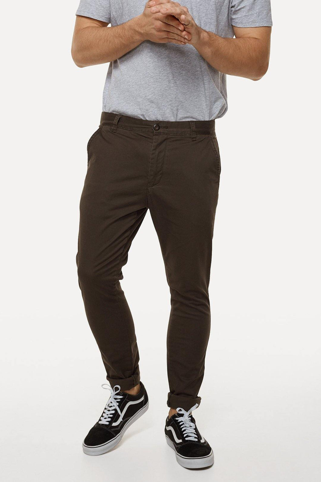 The Cuba Chino Constructed from durable cotton, The Cuba Chino Pants are as reliable as they come. Featuring a modern skinny-cut leg and just the right amount of stretch, this is the ultimate everywhere pair of pants, ready to be dressed up, dressed down, or dressed any way you like. Our model is wearing size medium pants. He is 180cm (5'11