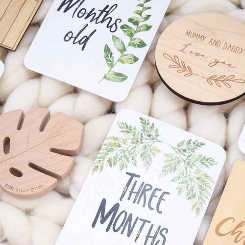This combined set of Fern Pregnancy & Baby Milestone Cards makes the perfect gift for an expecting mum! If you're looking for the perfect set of Milestone Cards, look no further. This bundle includes our best selling Fern Baby Milestone Cards and our Fern Pregnancy Milestone Cards. - Pregnancy Milestone Cards include (30 Milestone Cards). Fern Baby Milestone Cards Include (27 Milestone Cards). Available at My Harley and Rose.