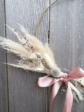 Charger l'image dans la galerie, Pampas grass gold hoop wreath