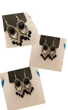 Load image into Gallery viewer, Black and Silver Fashion Drop Earrings