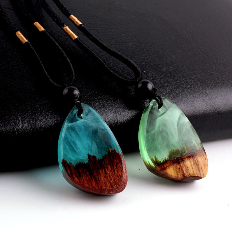2019 Charm Handmade Polish Clear Resin Wood Pendant Necklace Fashion Sweater Chain Top Grade Women Men Jewelry Accessories