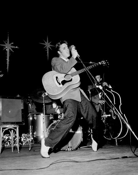 Charles Trainor - Elvis on his toes 1956, Miami