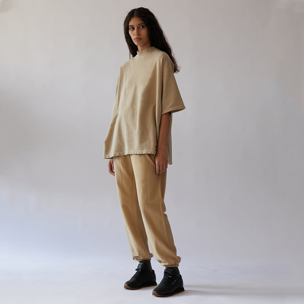 <transcy>Raw Sweatpants</transcy>