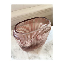 Load image into Gallery viewer, Ripple vase pink