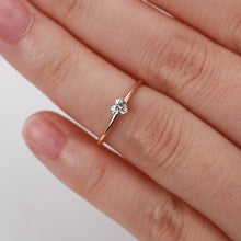 Load image into Gallery viewer, Mini Heart Shaped Ring