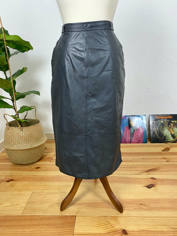 UK14 Black leather skirt with pockets