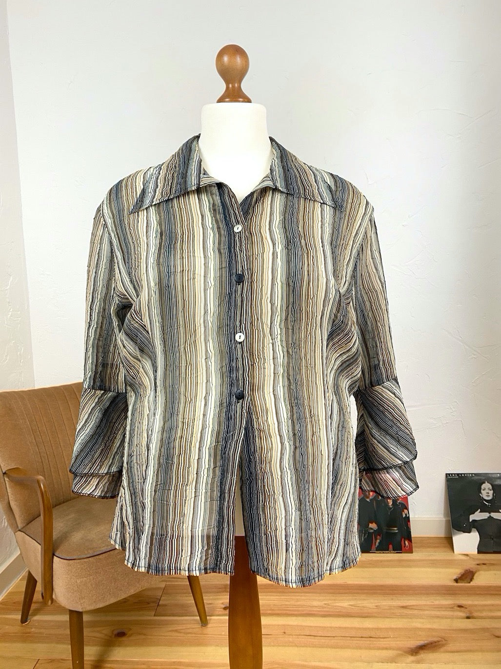 UK20/22 Blouse with trumpet sleeves 70s