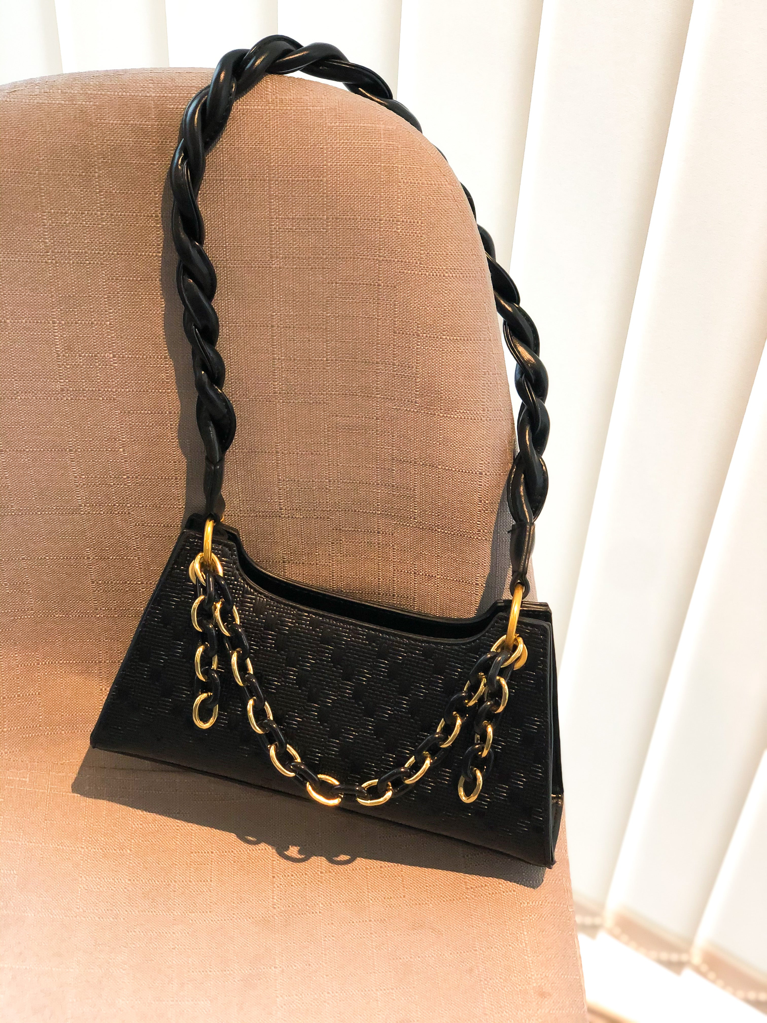 SOLA PU Twist Hand bag