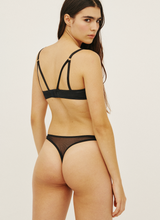 Load image into Gallery viewer, DAISY THONG BLACK