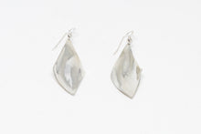 Load image into Gallery viewer, Sterling Silver Earings.