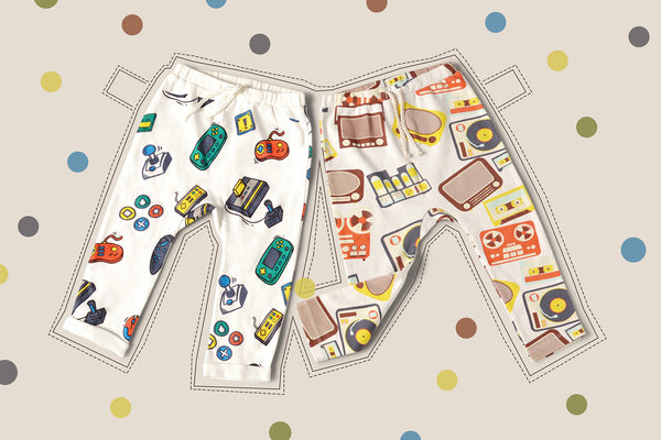 Baby leggings with prints of retro technology