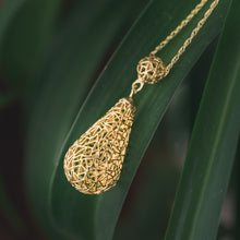 Load image into Gallery viewer, Gold  Raindrop Necklace