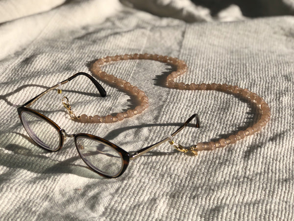Latte Glass Mask to Glasses Chain