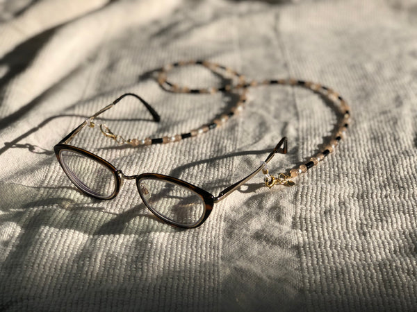 Neutral Glass with Pearl Glasses to Mask Chain