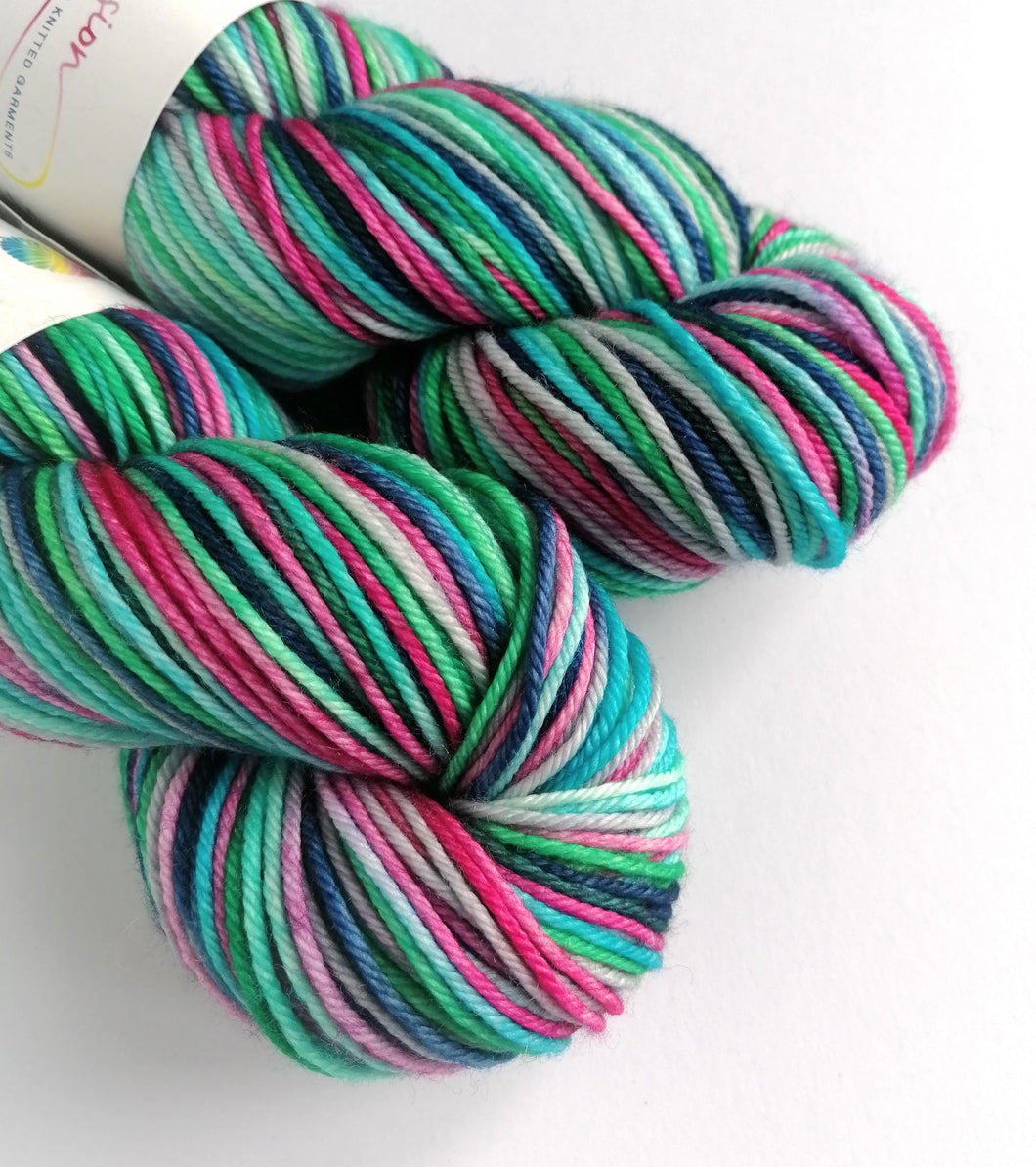 Colours of the Wind on Superwash Merino springy DK.