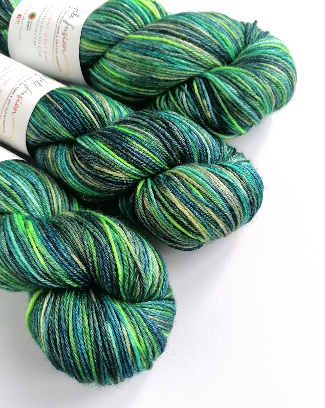 Finding Crush, hand dyed on superwash BFL/silk 4ply/fingering weight.