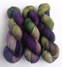 Load image into Gallery viewer, Witchy Woman, hand dyed on a British wool sock yarn.