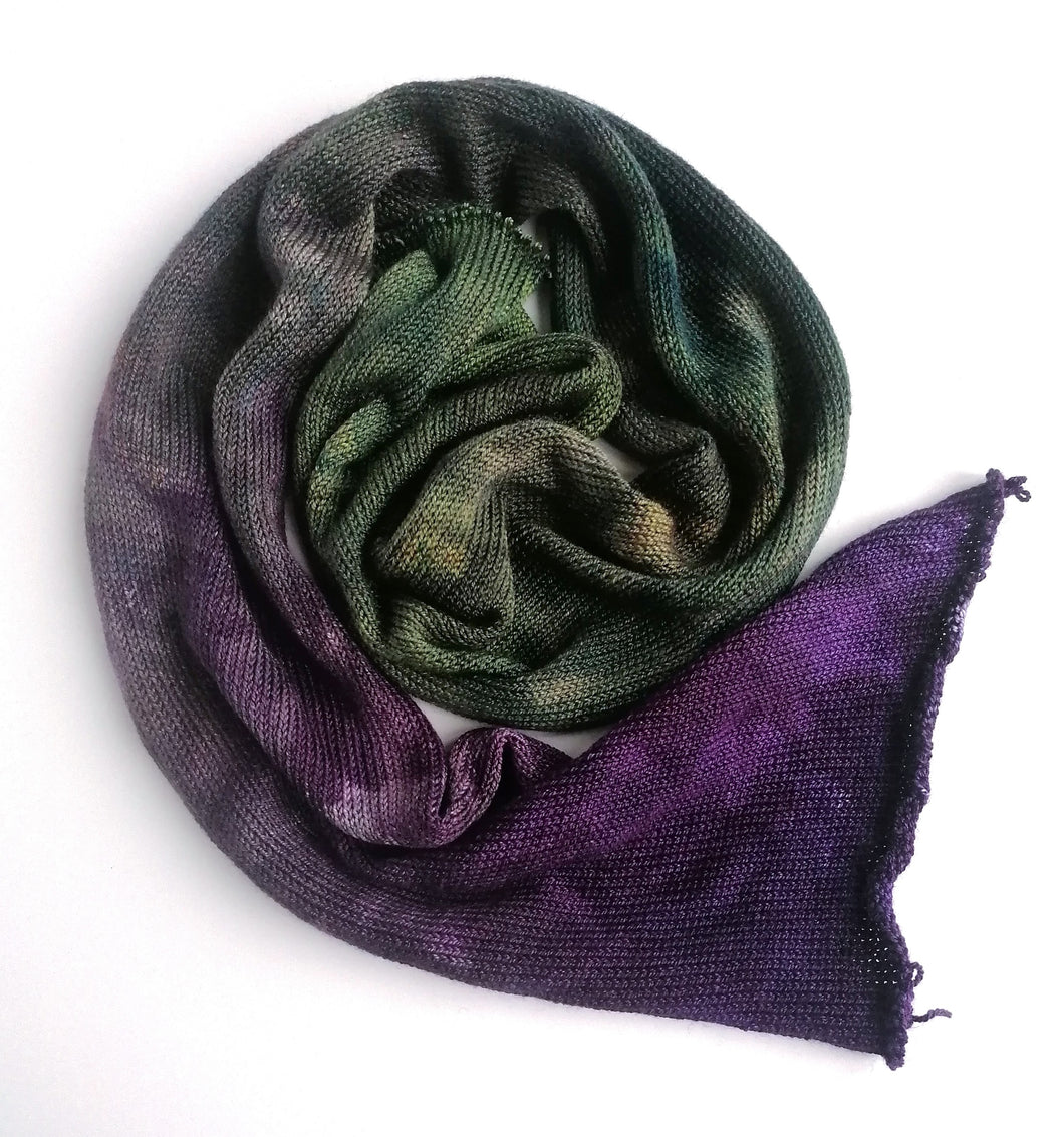 Hand dyed sock blank in a superwash merino/silk base in Witchy Woman.