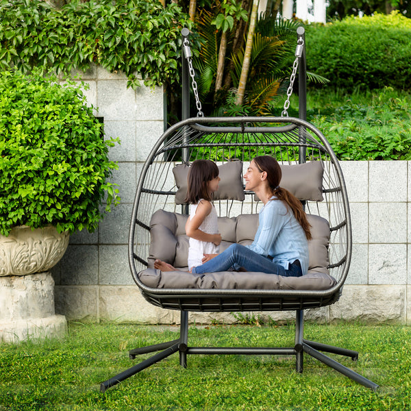 """The Hanging Egg"" Swinging Wicker Chair"