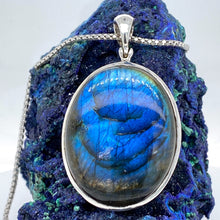 Load image into Gallery viewer, Sterling Silver Labradorite Necklace
