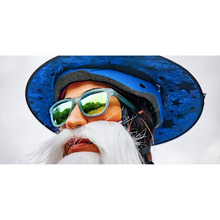 Load image into Gallery viewer, GOODR - SUNBATHING WITH WIZARDS - BLUE GOODR RUNNING SUNGLASSES - FACE