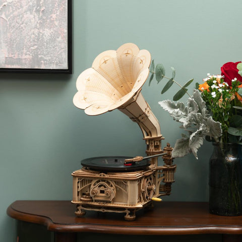 424 pcs operational DIY wooden model hand crank classic gramophone kit
