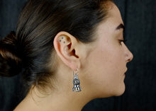 Load image into Gallery viewer, Ciliata Earrings