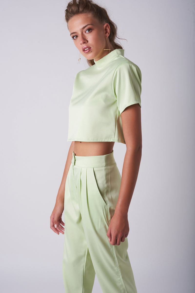 IVIG CROP TOP – Shiny Pistachio