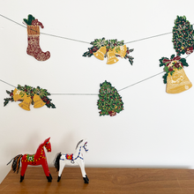 Load image into Gallery viewer, Traditional Christmas Garland - East End Press