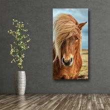 Load image into Gallery viewer, Beautiful Golden Horse