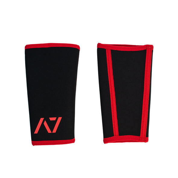 A7 Inferno knee sleeves feature black and red design. These are structured with a downward cut panel on the back of the quad and calf to ensure these have the ultimate compression at the knee joint. The A7 CONE Stealth Stiff Knee Sleeves are IPF approved and are allowed in all IPF competitions and affiliate federations like the European Powerlifting Federation and all federations across Europe.