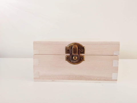 Wooden Box with lid 120x120x60mm