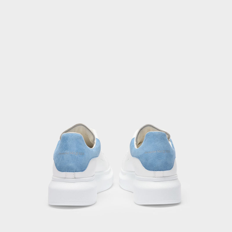 Sneakers Oversize in White Leather and Pale Blue Heel