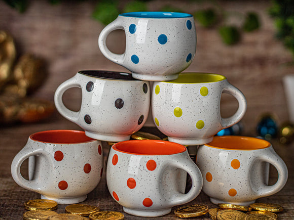WHITE DOTTED GLOSSY TEA CUPS