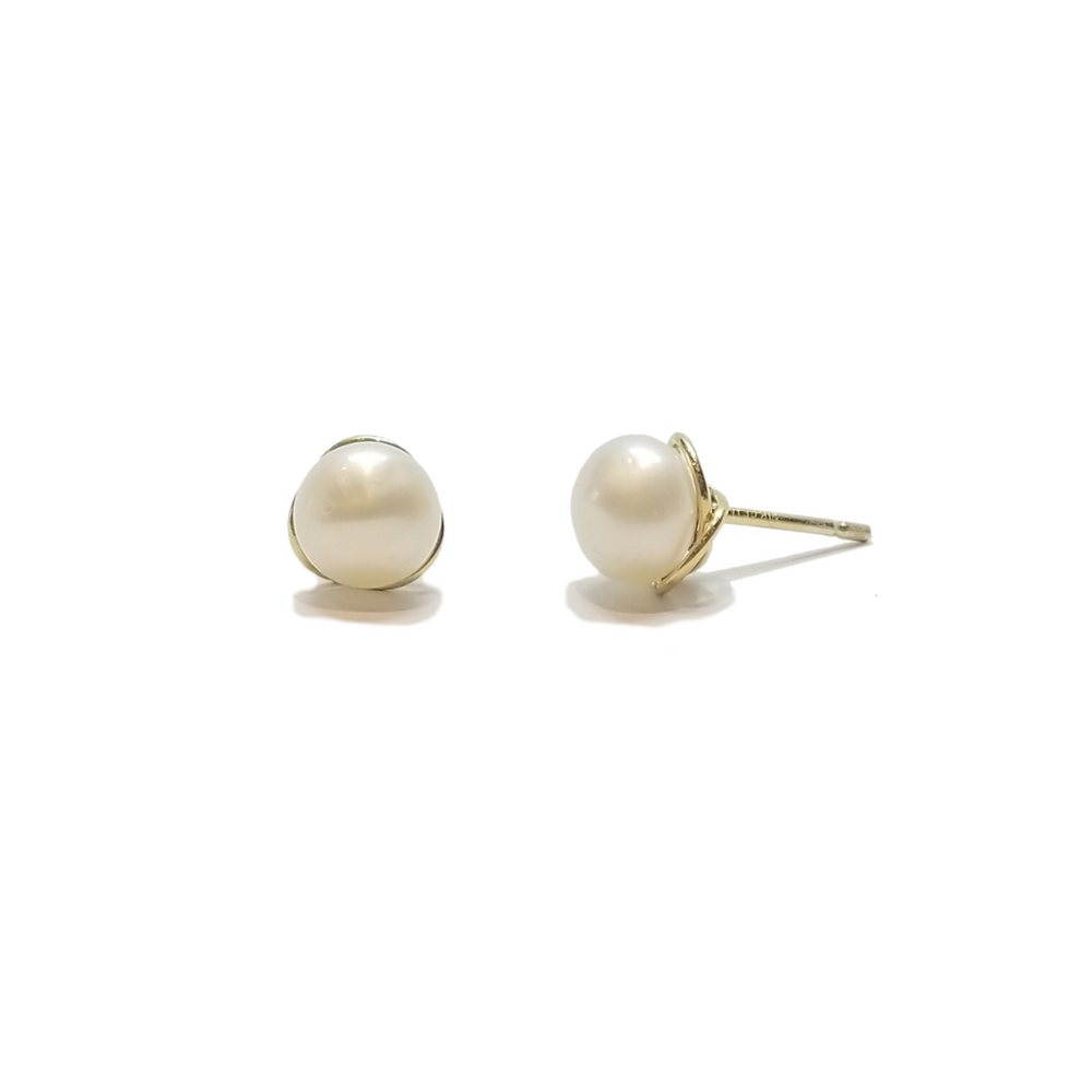 gold halo pearl stud earrings