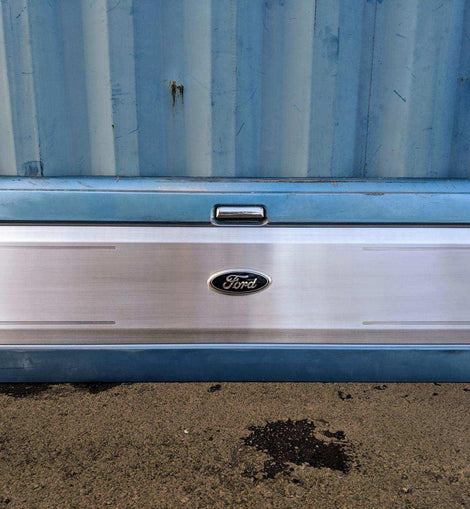 Tailgate Panel With Machined Oval