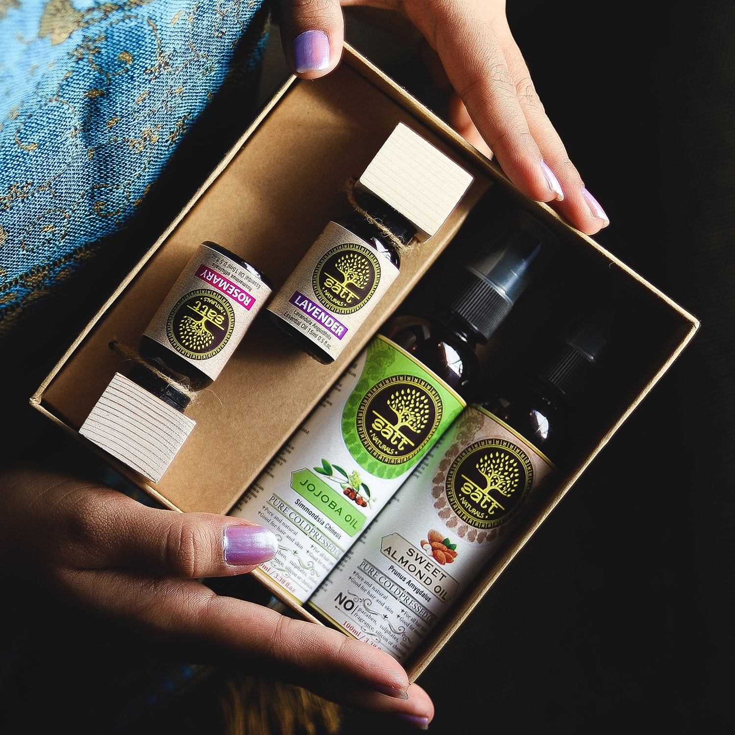 Gift Box (Two essential oils - 15ml, Two carrier oils - 100ml)