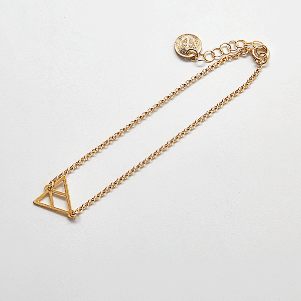 Gold Triangle Dainty Bracelet
