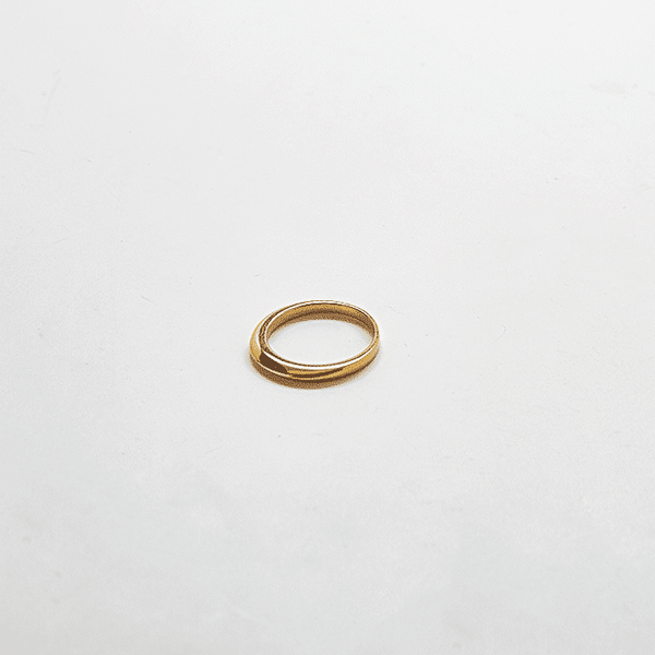 Gold Tapered Point Ring