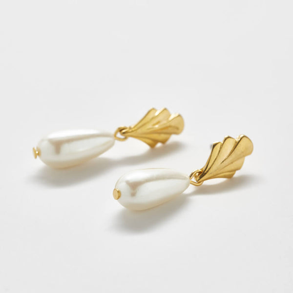 Vintage Gold Pearl Drop Earrings