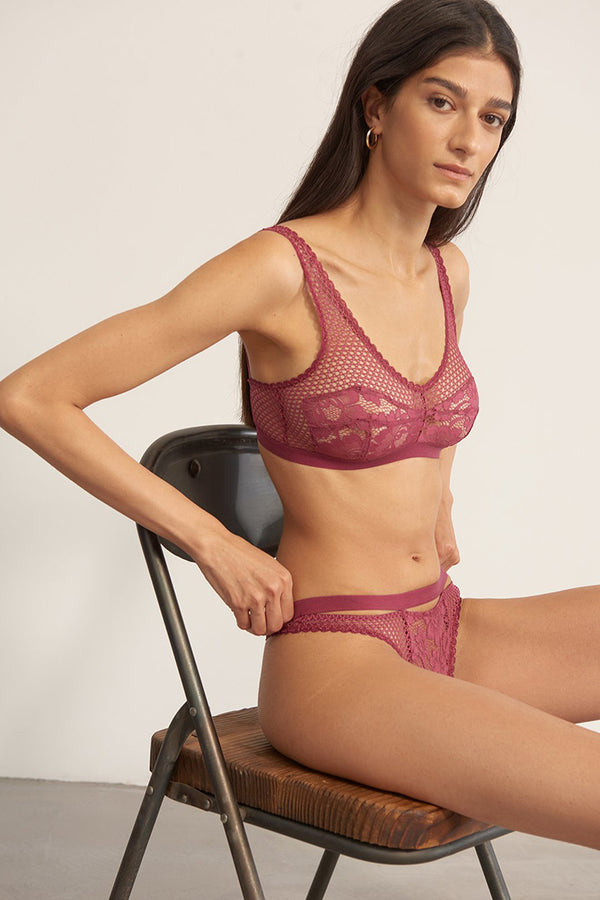 Petunia Lace Thong in Orchid