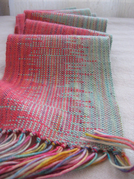 Weaving Clasped Weft with Hand Dyed Yarn