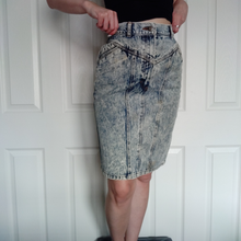 Load image into Gallery viewer, VINTAGE 80s DENIM ACID WASH PENCIL SKIRT
