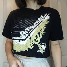 Load image into Gallery viewer, VINTAGE PITTSBURGH PENGUINS CROP TOP