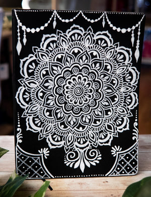 Load image into Gallery viewer, Mandala Softcover Lined Journal