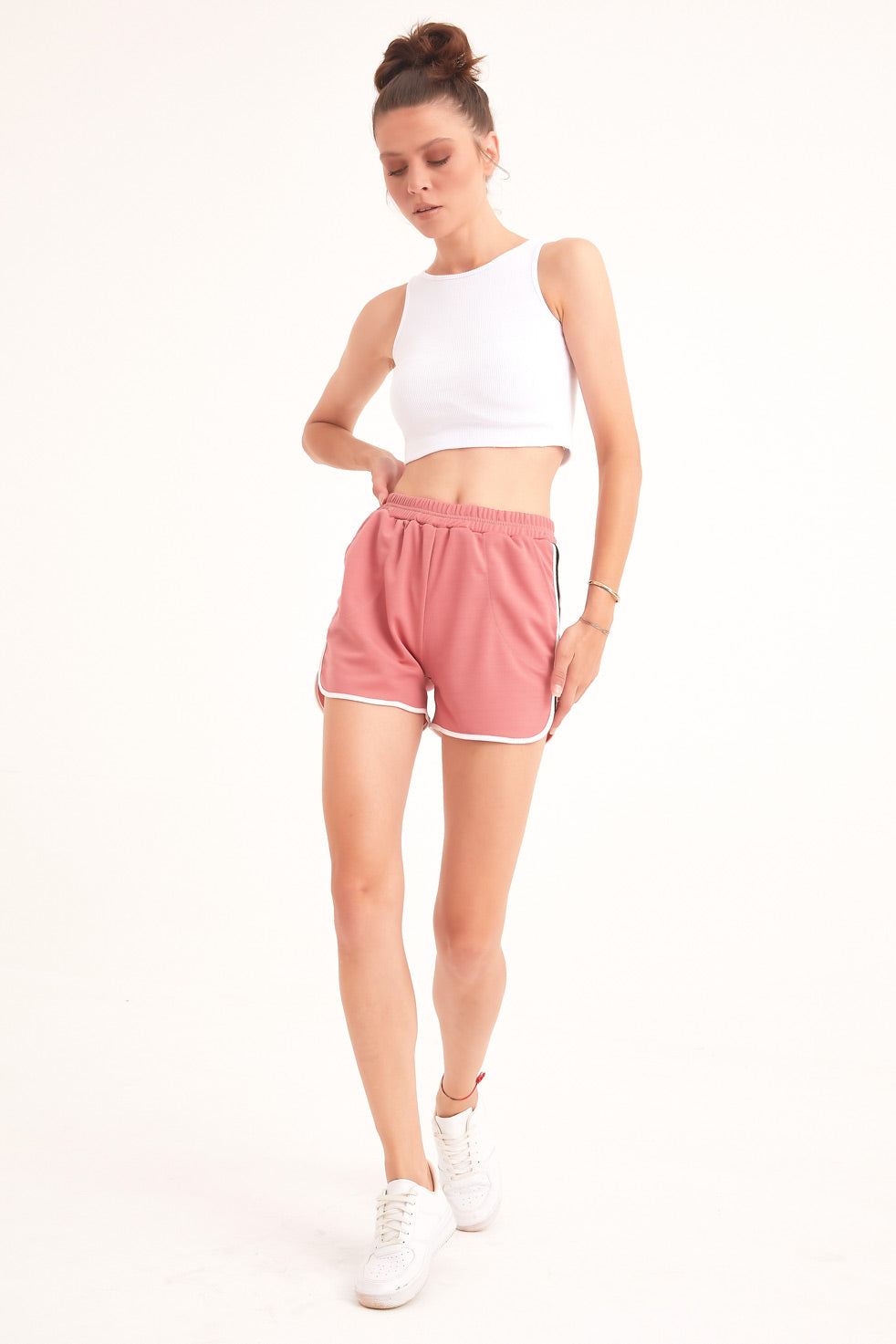 Rose-powder Detailed Shorts With Side Pockets