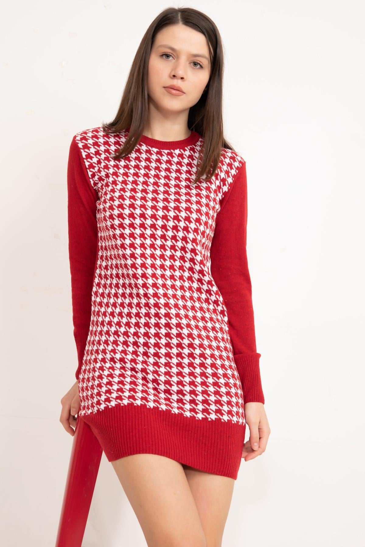 Red Front patterned knitwear tunic.