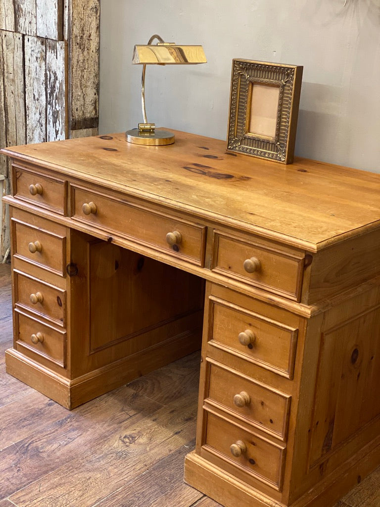 Large Solid Pine Double Pedestal Desk with 7 Drawers