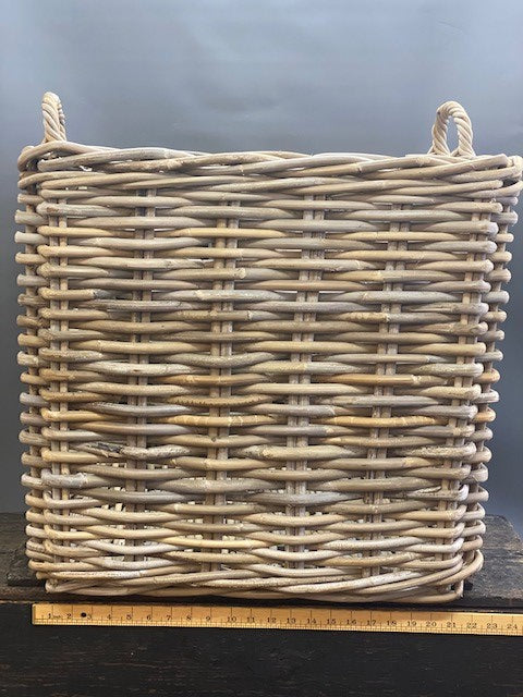 Traditional Log Basket